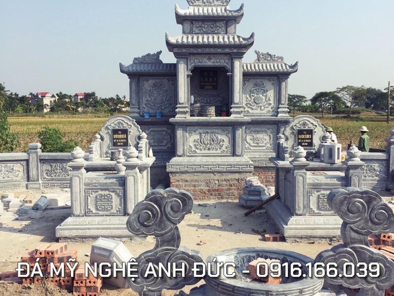 Khu lăng mộ đá với hai ngôi mộ đá đơn Tam Sơn Anh Đức đẹp