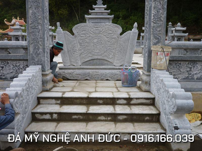 Mau Cuon thu Lang mo da
